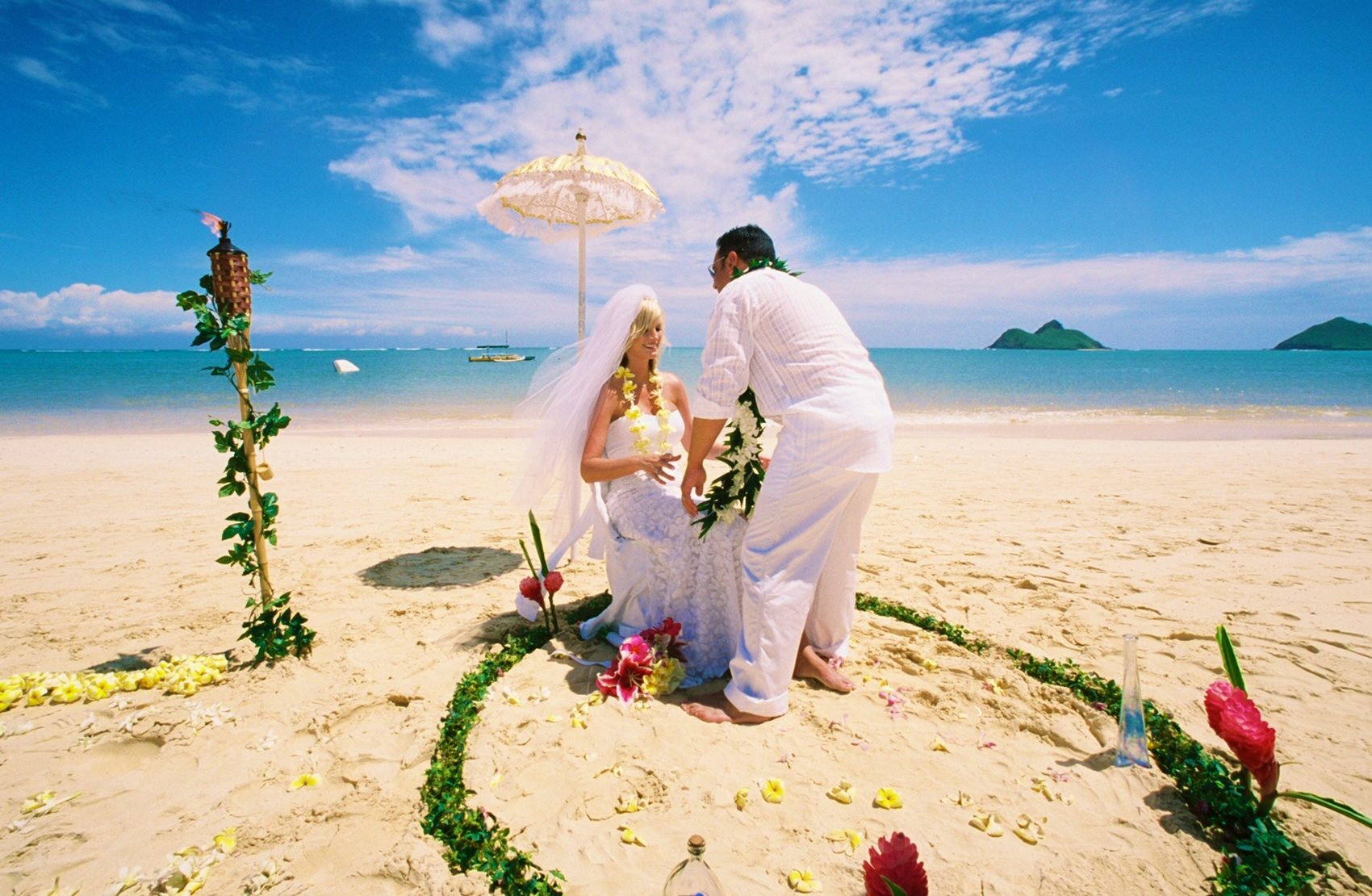 Alohaislandweddings- Lanikai wedding Picture -15