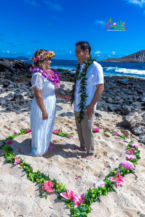 Vowrenewal-wedding-in-Hawaii-2-59.jpg
