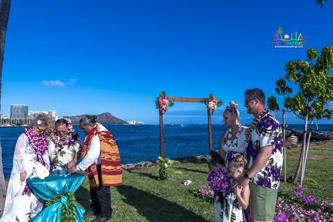 Vowrenewal-magicIsland-Hawaii-4-12.jpg