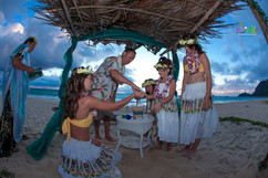 Sunrise-wedding-in-Hawaii-10.jpg