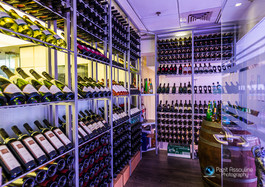 צילום אווירה חדר יינות