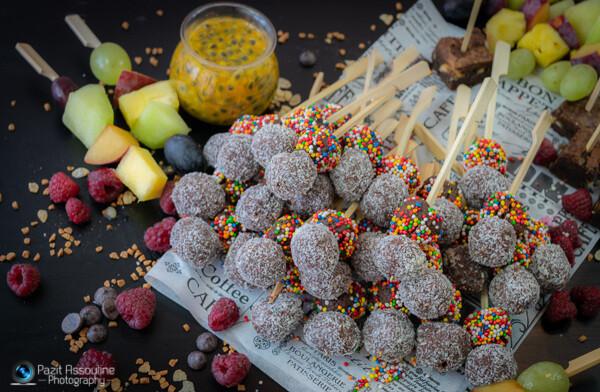 שיפודי פירות וכדורי שוקולד, צילום וסטיילינג מזון פזית אסולין