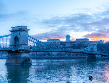 גשר על המים