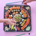 צילום אווירה מסעדת סושי