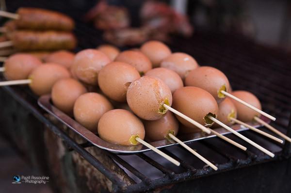 ביצים כבושות על האש