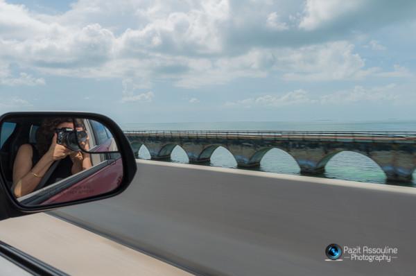 הגשרים של מיאמי, צילום פזית אסולין, בנסיעה, במהירות גבוהה דרך המראה של הרכב