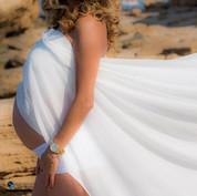 צילומי הריון בחוף הים