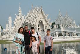 צילום משפחתי, המקדש הלבן, תאילנד