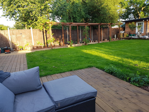 Chessington-Surrey-after-pergola-decking