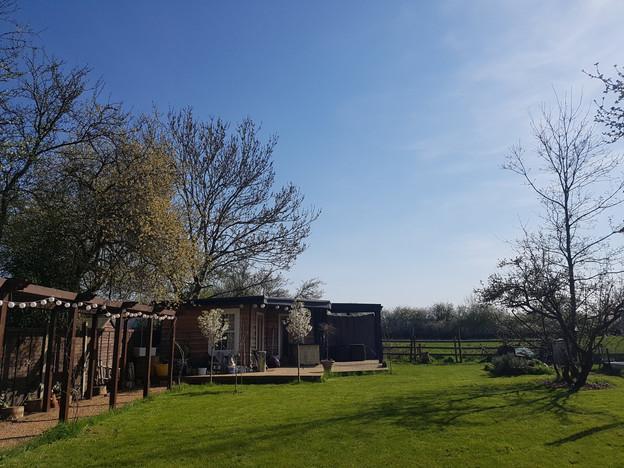 Chessington-Surrey-after-cottage-4.jpg