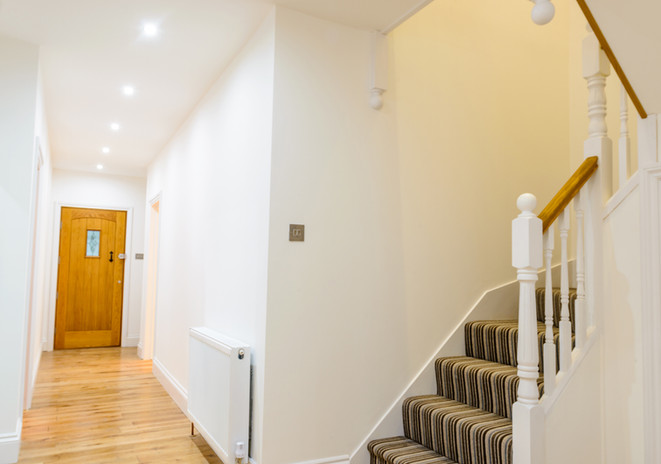 Addlestone-Surrey-after-renovation-hallw