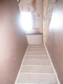 Surbiton-Surrey-build-new-loft-stairs.JP
