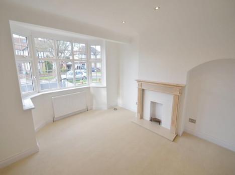New-Malden-Surrey-after-renovation-livin