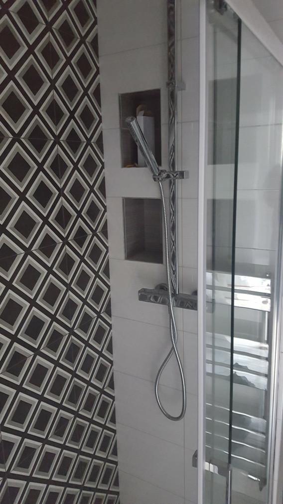 Chessington-Surrey-build-bathroom-bedroo