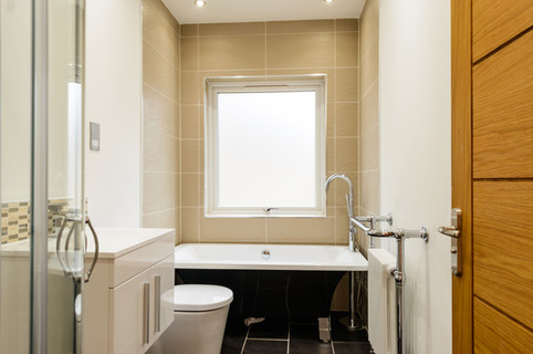 Addlestone-Surrey-after-renovation-bathr