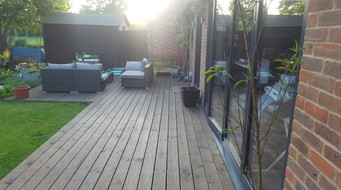 Chessington-Surrey-after-back-decking.jp