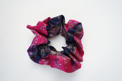 Silk Scrunchy #18