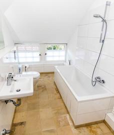 badrenovierung-badewanne.jpg