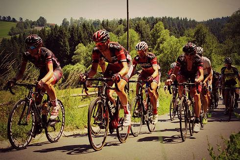 road-cycling-585248.jpg