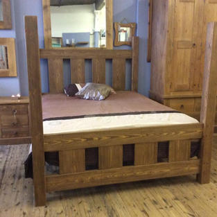 Rustic high post Tester Bed