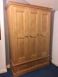 3 door and 2 drawer wardrobe
