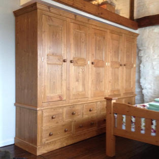 Large wardrobe with 5 doors and 10 drawers