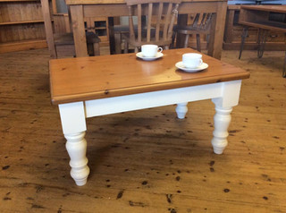 2 tone painted coffee table with farmhouse turned legs