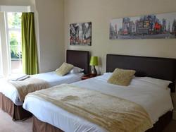 Nuneaton Hotel Triple Room