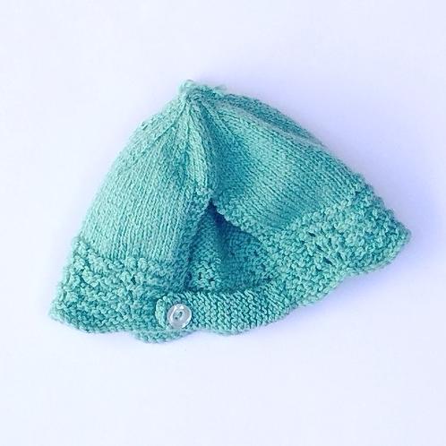 Babies Bonnet knitted in hand spun yarn