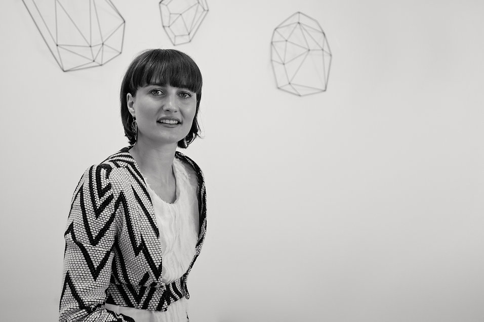 Architecte d'intérieur Bordeaux, portrait d'Audrey Boey, études, parcours personnel et professionnel, diplôme, géométrie, noir et blanc