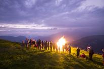 Feuerbrennen-Sonnwend-auf-der-Hohen-Salv