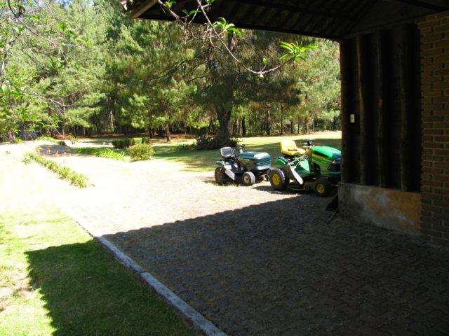 Bodega y garaje