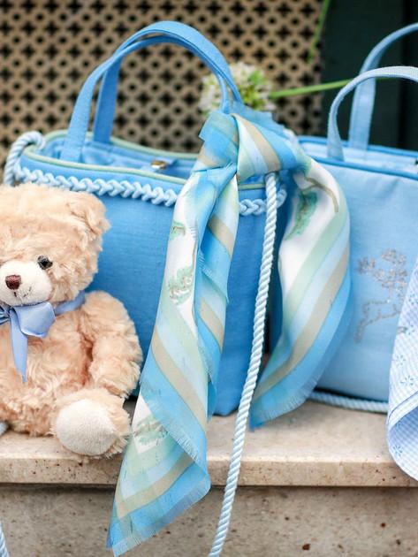 Kindertaschen und Tücher