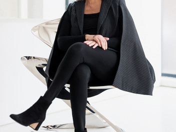 """Zaha Hadid - """"the queen of the curve"""""""