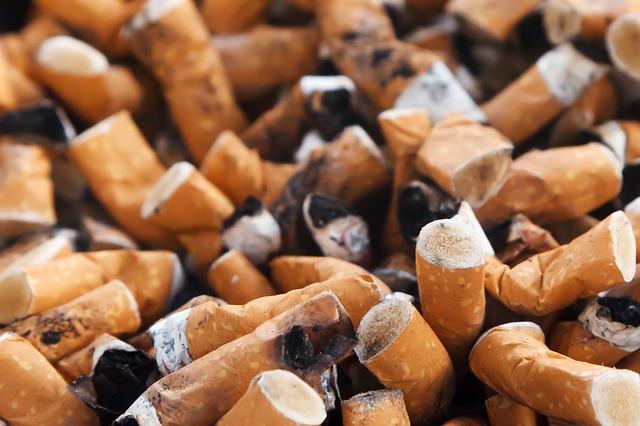 ţigări multe stinse