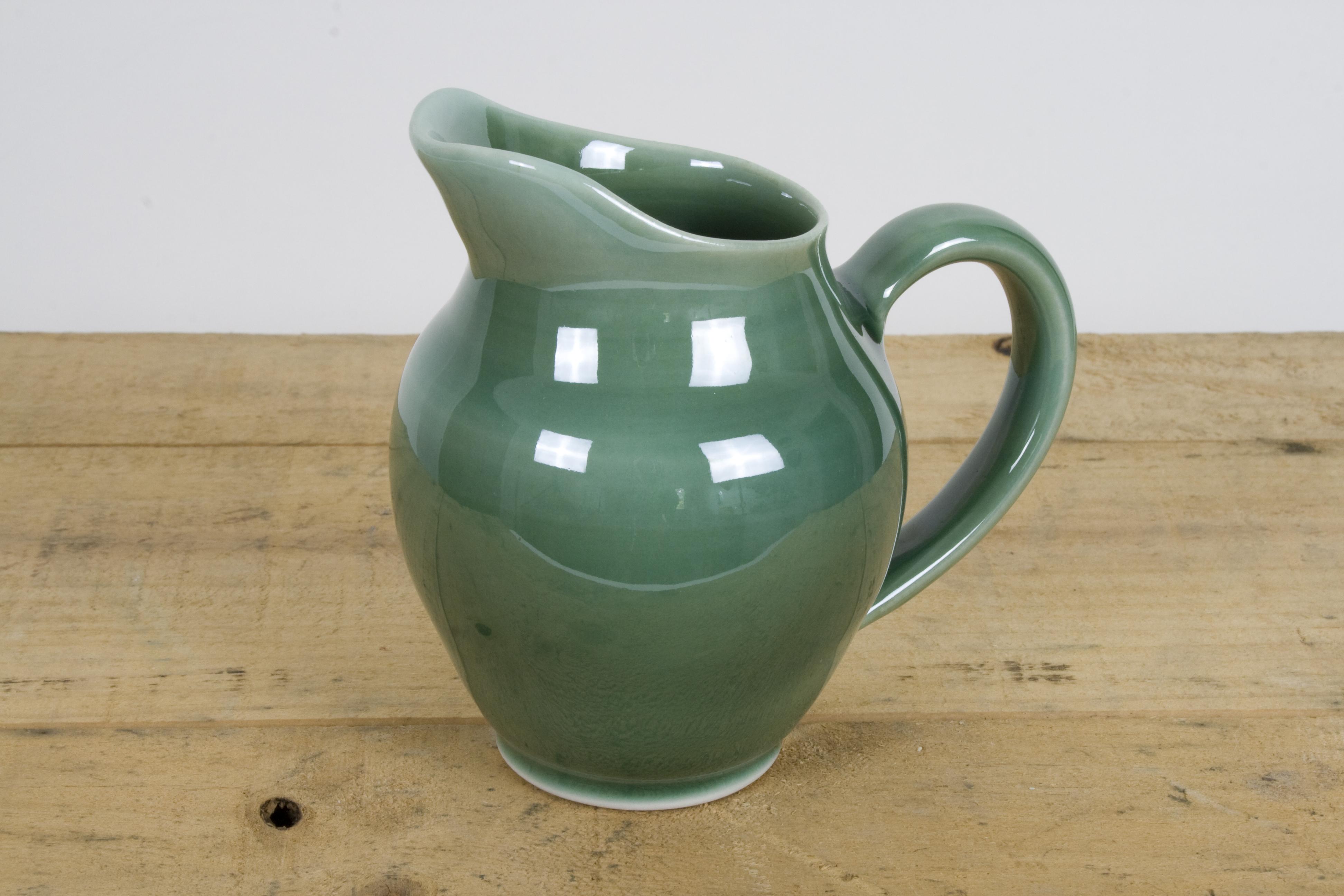Creamer celadon