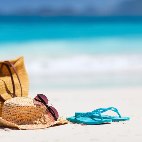 SELLING IN THE SUMMER?  3 TIPS THAT'LL MAKE YOUR BUYERS WANT TO STAY FOREVER!