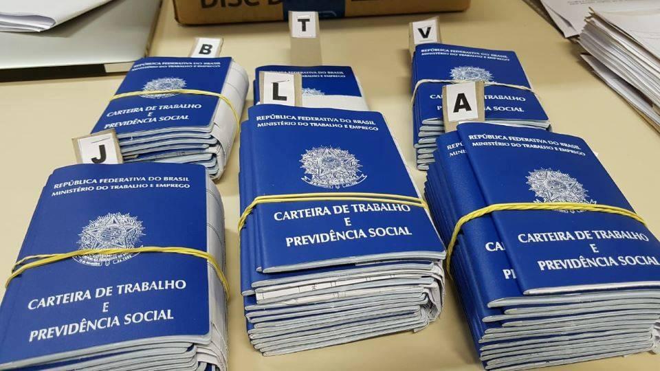 Agência do Trabalhador entrega carteiras de trabalho solicitadas desde 2015
