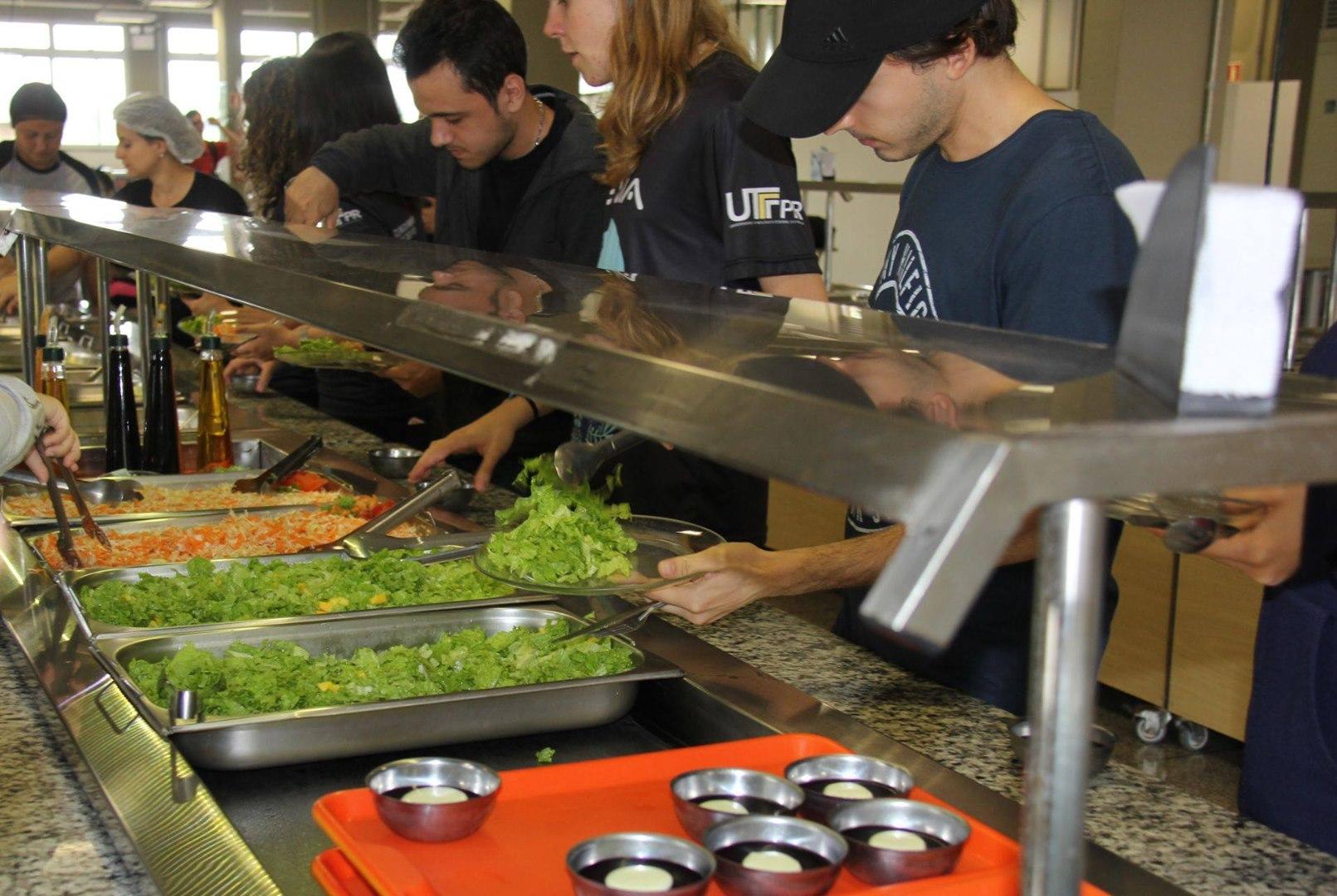 Reaberto o Restaurante Universitário da UTFPR