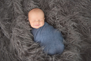 lancaster-newborn-happy.jpg