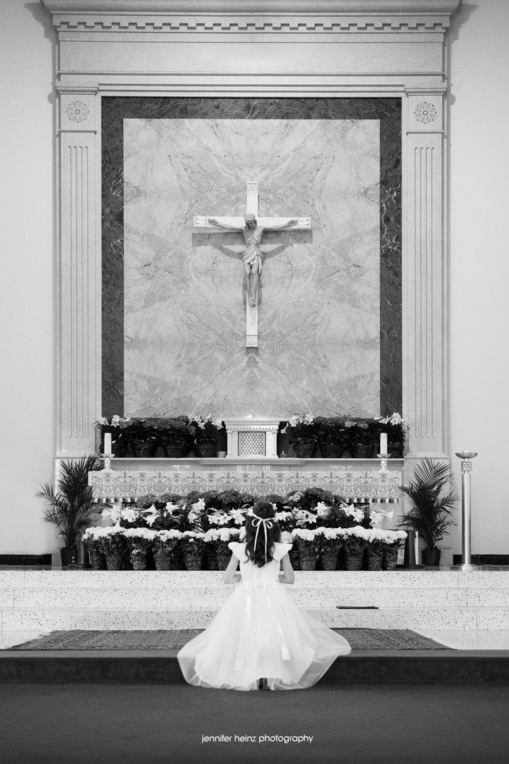 chester-county-family-photographer-church.