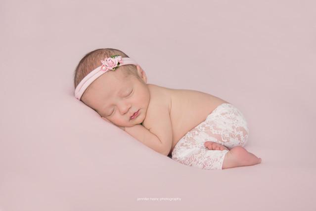 philadelphia-newborn-lace.jpg