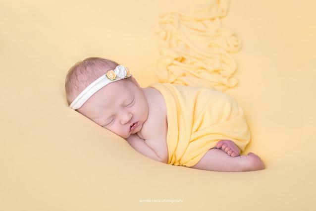 philadelphia-newborn-sunshine.jpg