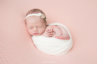 philadelphia-newborn-peachy.jpg