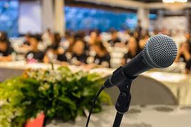 Public Speaking-Depositphotos_139004316_