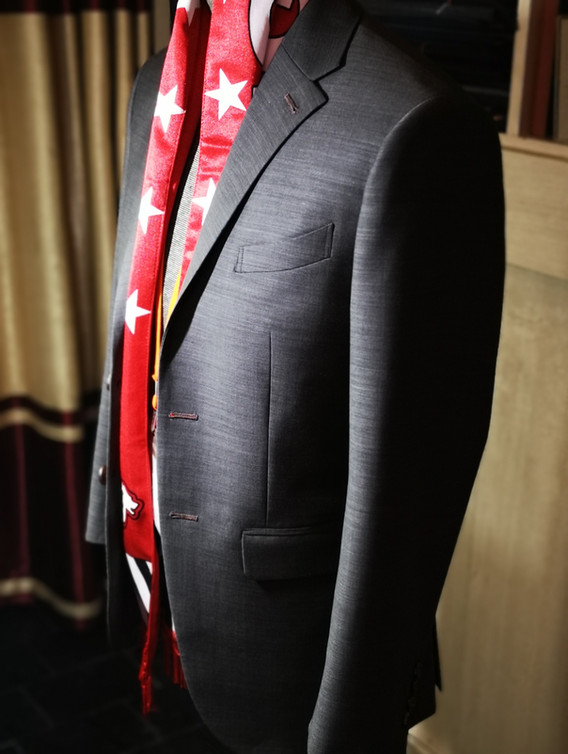 Clear view of suit