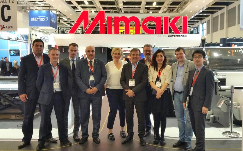 Выставка FESPA-2018, делегация компании Смарт-Т на стенде Mimaki