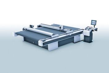 Планшетный плоттер Zund D3