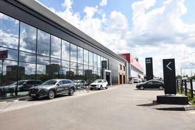 Оформление дилерских центров Mazda