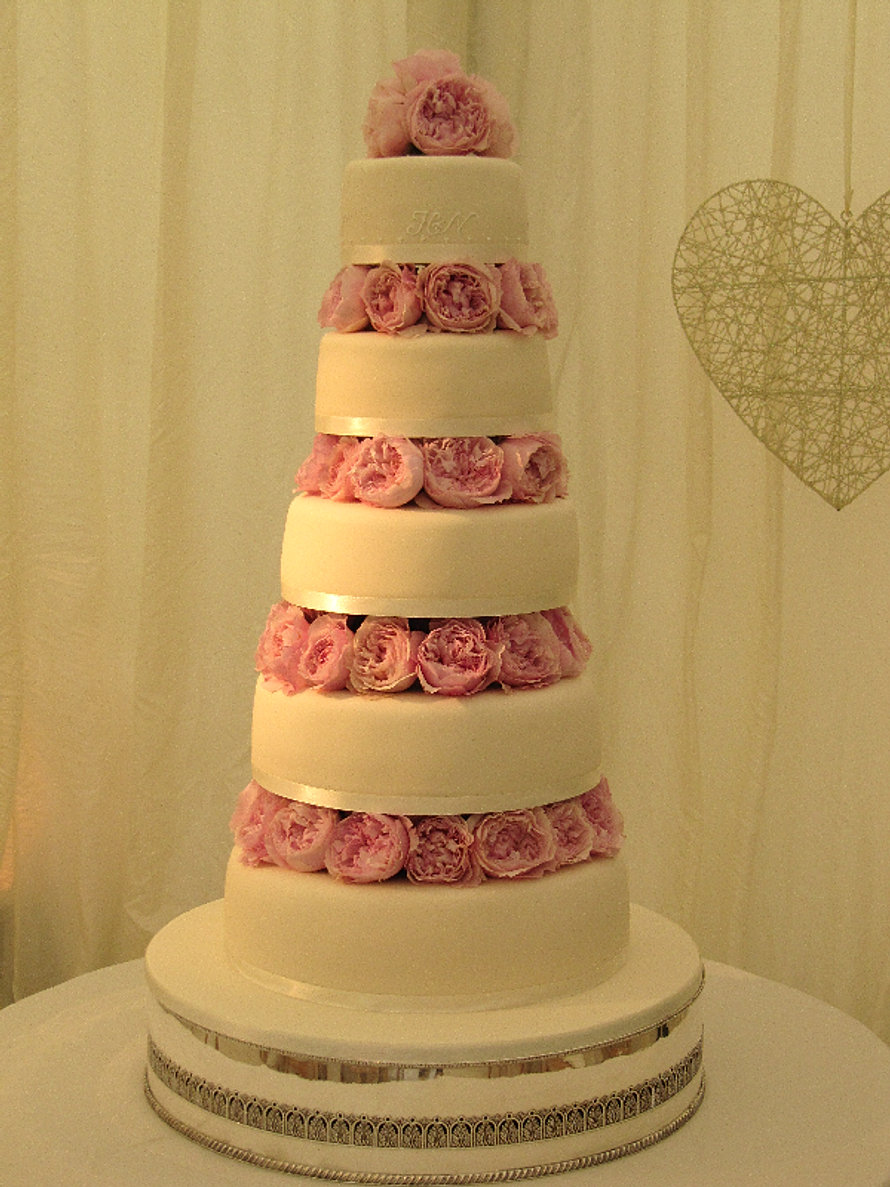 wedding cake sheffield janet moorwood exquisite sheffield wedding amp celebration 24489